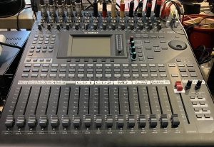 YAMAHA DIGITAL MIXING CONSOLE 01V961