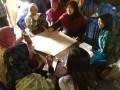 メラピー山麓の六村でコミュニティ防災のグループ討議