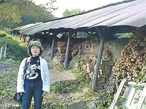登り窯にて朴明子さん