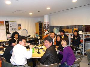 朝日新聞の取材がやってきました。ねねのYY同窓会番組風景~