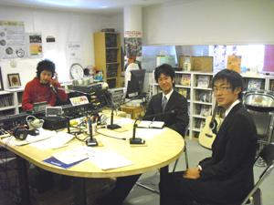 阪大学生2人