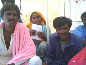 パキスタン タタの避難キャンプ