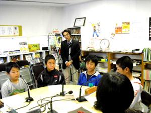 地域の小学校だいち小学校から4人の6年生が「ミニトライやる」にやってきました。