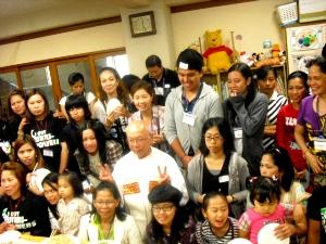 カトリック気仙沼教会会津隆司神父とフィリピン信徒