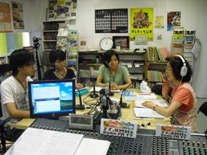 朴明子さんと神戸学院大学インターン
