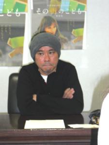 監督のNHKディレクター井上剛さん
