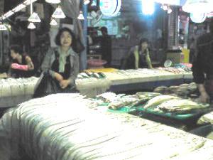 チェジュドの市場の魚屋さん