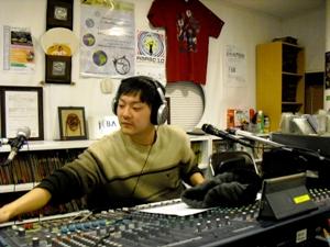 2004年10月1日来日、神戸大学での7年間の学生生活のうち5年間をFMわぃわぃヨボセヨCチームで活躍したホギュンの最後の放送。