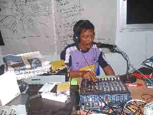 インド洋災害緊急ラジオ局