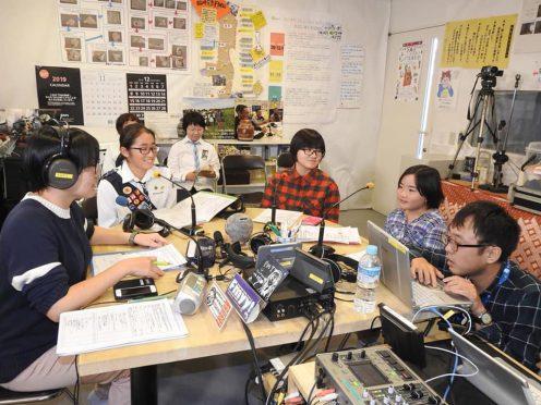 写真:わぃわぃキッズラジオの配信風景後半